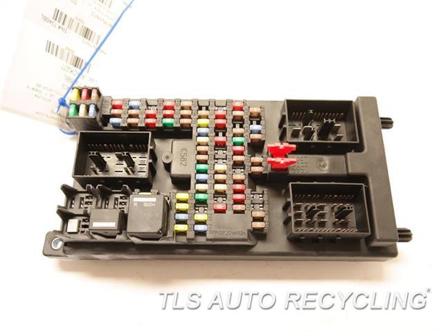 2013 land rover lr4 fuse box 22 14041 used a grade rh tlsautorecycling com Circuit Breaker Box Circuit Breaker
