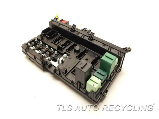2004 Land Rover Range Rover Fuse Box - Front Engine Fuse Box Ypp000020 - Used