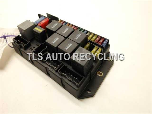 2006 land rover range rover trunk fuse box yqe5000340 fuse box for range rover 2006 fuse box for 2006 saturn ion