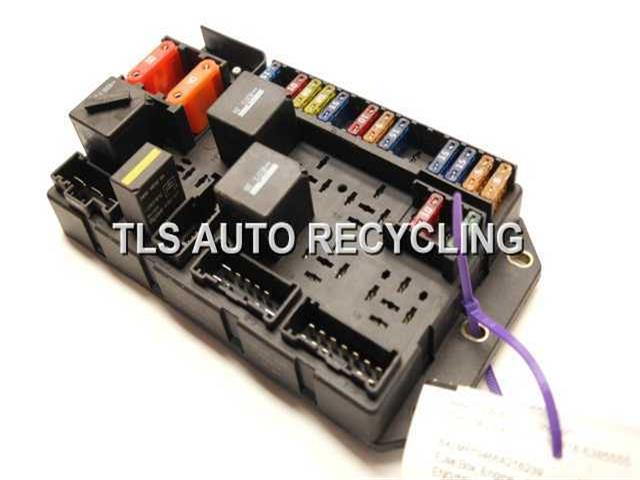 2006 Land Rover Range Rover Fuse Box - Yqe500090engine Compartment Fuse Box - Used