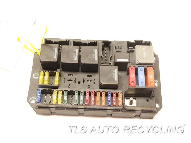 2008 land rover range rover - rear fuse box yqe500370 - used - a ... land rover fuse box connector part numbers  tls auto recycling
