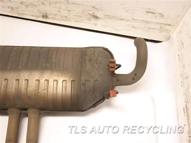 2012 Land Rover Range Rover Exhaust Pipe LR043262   LR043265�  LR039779   LR010956 FRONT EXHAUST PIPE W/MUFFLER ASSY