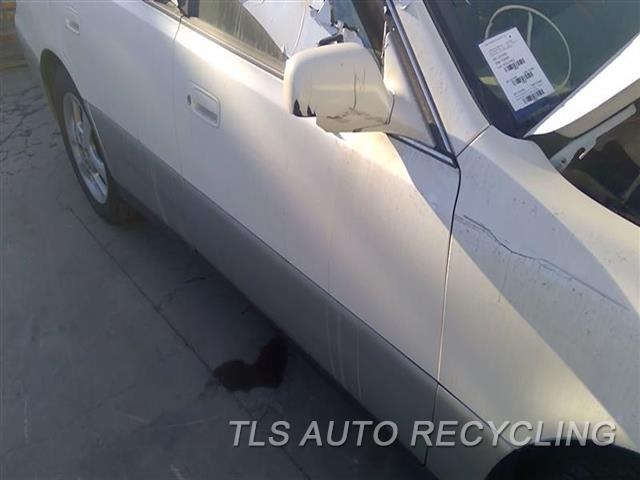 2000 Lexus Es 300 Door Assembly, Front  000,RH,WHT