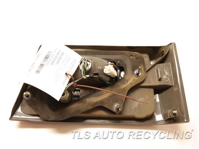 2001 Lexus Es 300 Tail Lamp 81680-33070 DRIVER DECK LID MOUNTED TAIL LAMP