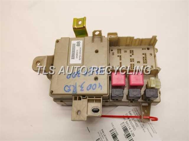 2002 lexus es 300 - 82730-33040 - used - a grade. 2002 lexus es300 fuse box #14