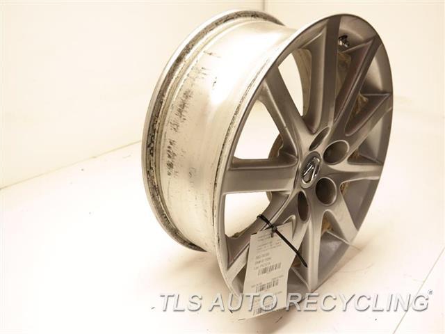 2006 Lexus Gs 300 Wheel MINOR CURB RASH 17X7-1/2 ALLOY 10 SPOKE WHEEL