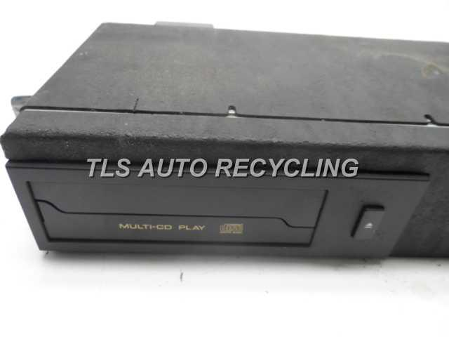 1998 Lexus Gs 400 Radio Audio / Amp  CD CHANGER 86270-30160