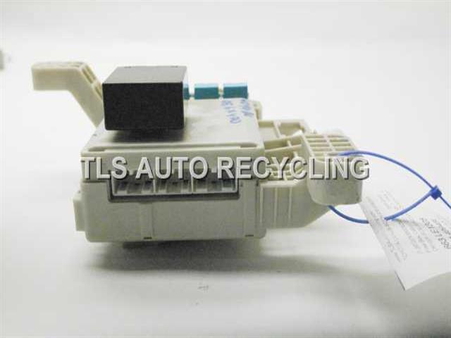2005 lexus gx 470 - 82730-60091 - used - a grade. 2005 lexus gx 470 fuse box lexus gx 460 fuse box