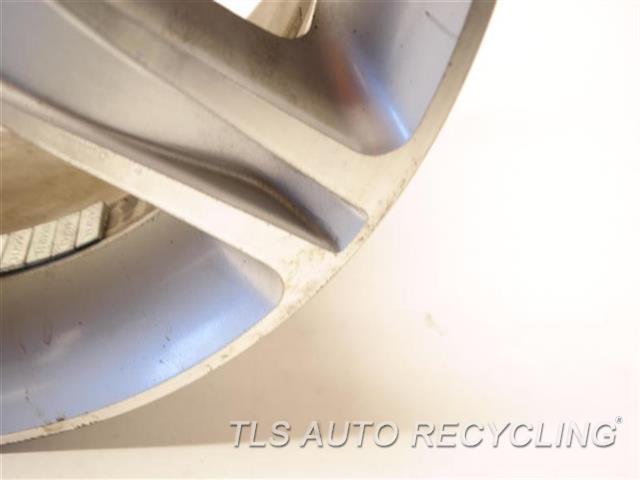 2003 Lexus Is 300 Wheel MINOR CURB RASH 17X7 ALLOY 5 SPOKE WHEEL