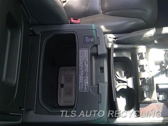 2010 Lexus Lx 570 Console Rear And Rear  GRY,FLOOR, COOL BOX, REAR ENTERTAIN