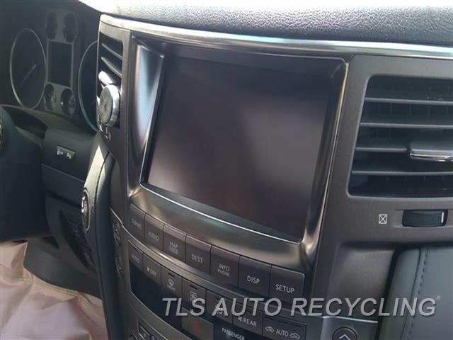 2010 Lexus Lx 570 Navigation Gps Screen SMALL SCRATCH ON LOWEWR CLIMATE CONTROL FACE 5.7L,(DISPLAY SCREEN), NAVIGATION,