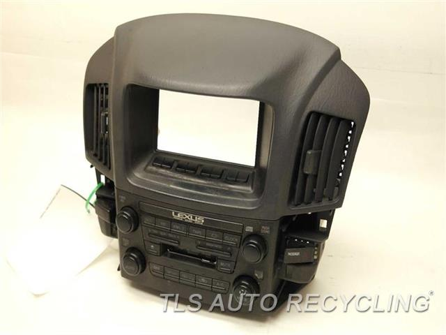 2000 Lexus Rx 300 Radio Audio / Amp CENTER CLUSTER INTEGRATION SWITCH ASSEMBLY RADIO FACE PLATE 83841-06050