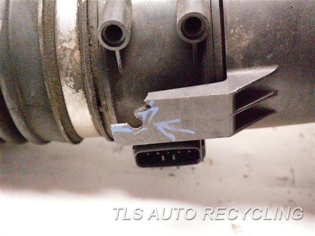 1997 Lexus Sc 400 Air Cleaner ONE MINOR DAMAGED TAB AIR CLEANER BOX