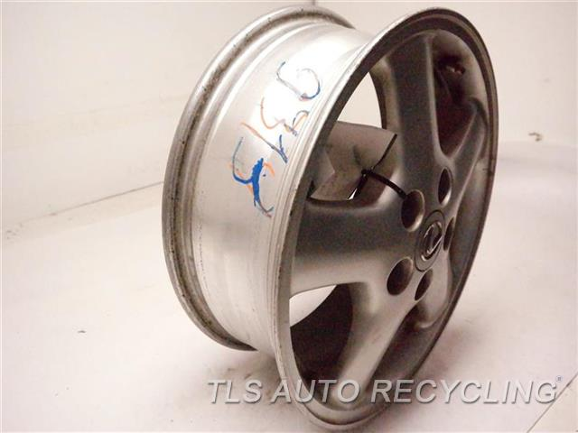 1997 Lexus Sc 400 Wheel MINOR PAINT ROCK CHIPS ON CENTER, MINOR SCRATCHES 16X6 1/2 ALLOY WHEEL