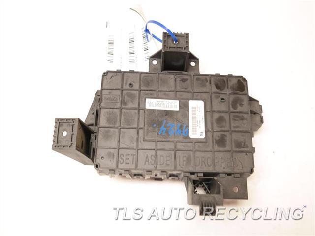 2015 Lincoln Navigator - Fuse Box Fl1t-14b476-aa - Used