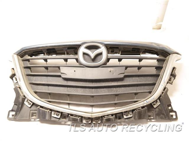 2016 Mazda Mazda 3 Grille HAS TWO DENT, CHROME MOLDING HAS CRACK GRAY GRILLE