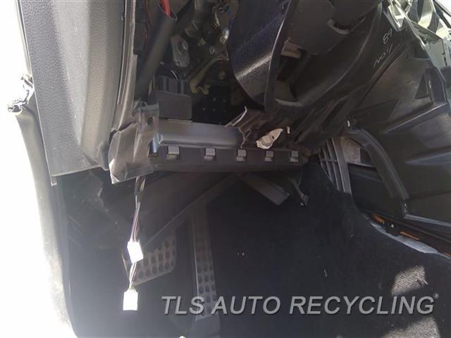 2015 Mercedes C300 Air Bag  LH,205 TYPE, C300 (SDN) DRIVER KNEE