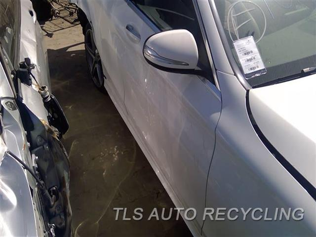 2015 Mercedes C300 Door Assembly, Front  000,RH,WHT,205 TYPE, C300 (SDN), R.