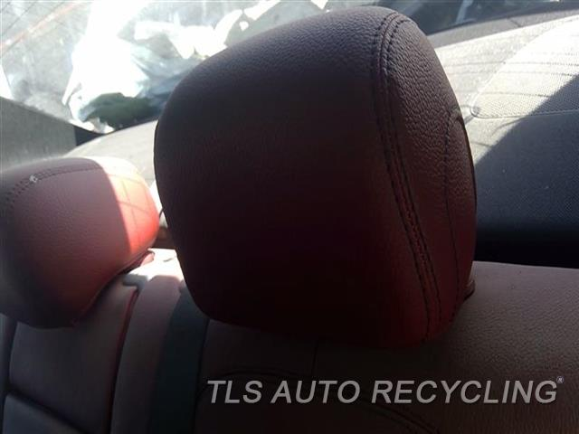 2015 Mercedes C300 Headrest  RED,LEA,REAR,OUTER