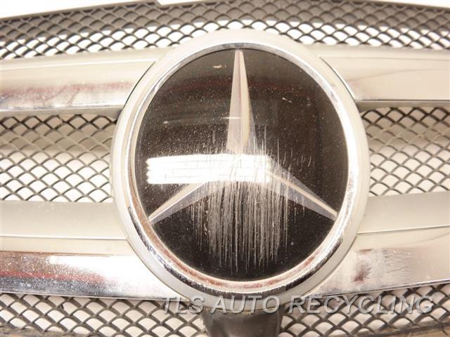 2015 Mercedes Gl550 Grille 1668850054, EMBLEM HAS SCUFF BLK,166 TYPE, GL550, UPPER,ADAPTIVE
