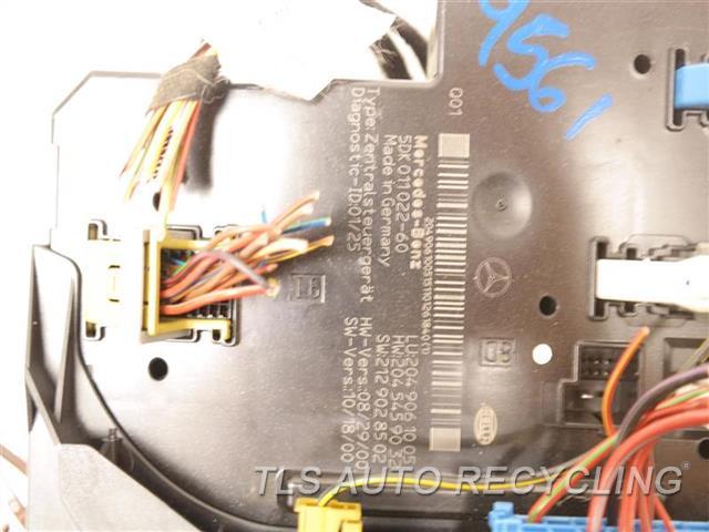 2011 Mercedes Glk350 Chassis Cont Mod 2049061005 SAM MODULE W/ FUSE BOX 2049061005