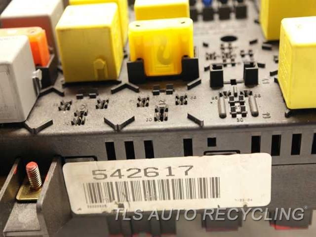 2005 Mercedes Ml350 Fuse Box - 1635450205 - Used