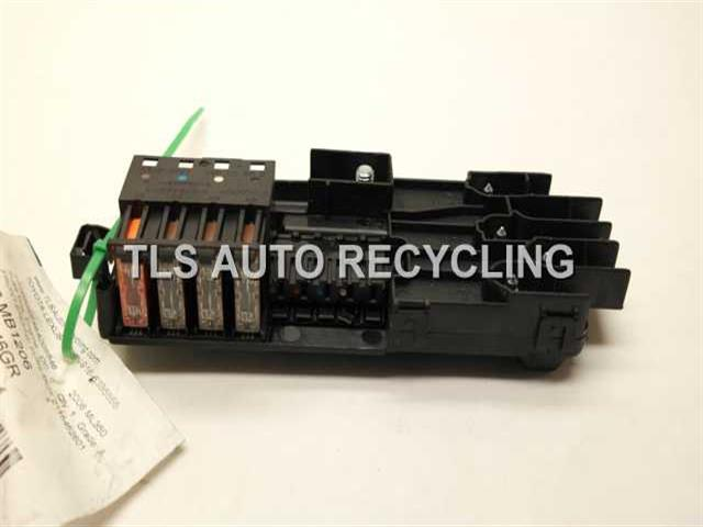2006 Mercedes Ml350 Fuse Box - 2115452601 - Used