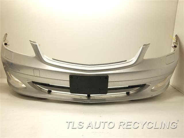 2007 Mercedes S550 Bumper Cover Front Scratches On The