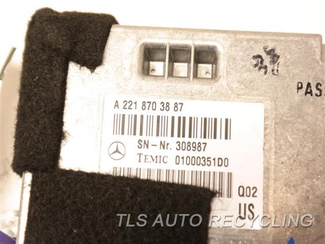2008 Mercedes S550 Chassis Cont Mod  2218703887 TRUNK CONTRO MODULE