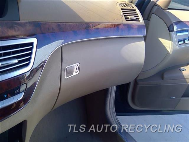 2008 Mercedes S550 Glove Box  BRWN