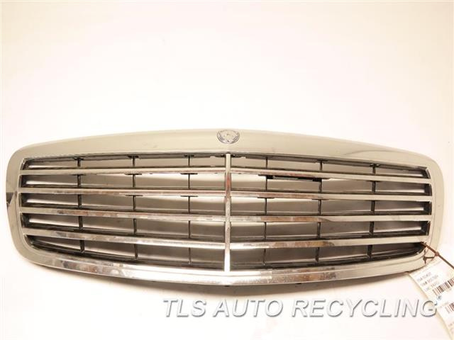 2008 Mercedes S550 Grille HAS ONE DEEP SCRATCH  221 TYPE, UPPER, S550, W/O ADAPTIV