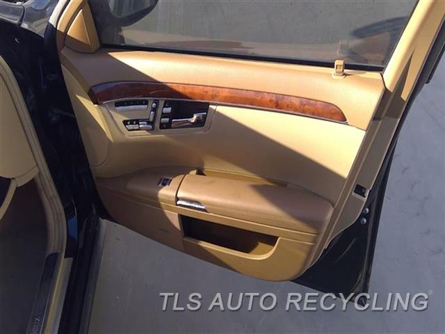 2008 Mercedes S550 Trim Panel, Fr Dr  RH,BRWN,LEA