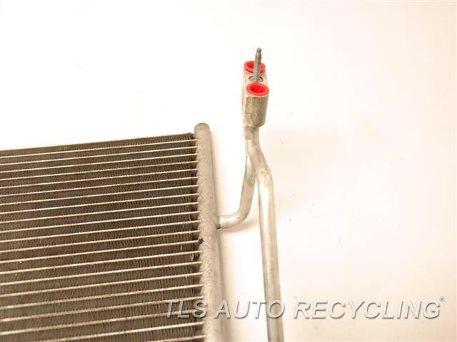 2013 Mercedes S550 Ac Condenser HAS DAMAGE ON THE MIDDLE SECTION 221 TYPE, S550  2215010354 NIQ