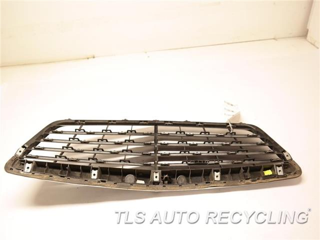 2013 Mercedes S550 Grille  221 TYPE, S550, UPPER, W/O ADAPTIVE