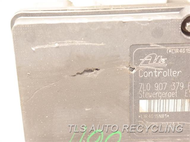 2005 Porsche Cayenne Abs Pump UPPER COVER PLASTIC HAS TWO CUTS  ASSEMBLY, 4.5L (AT) NIQ 7L0907379E