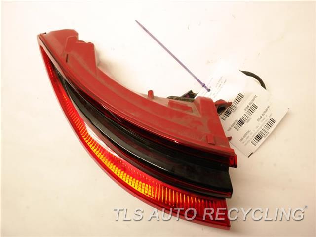 2015 Porsche Macan Tail Lamp 95B945095E DRIVER QUARTER MOUNTED TAIL LAMP