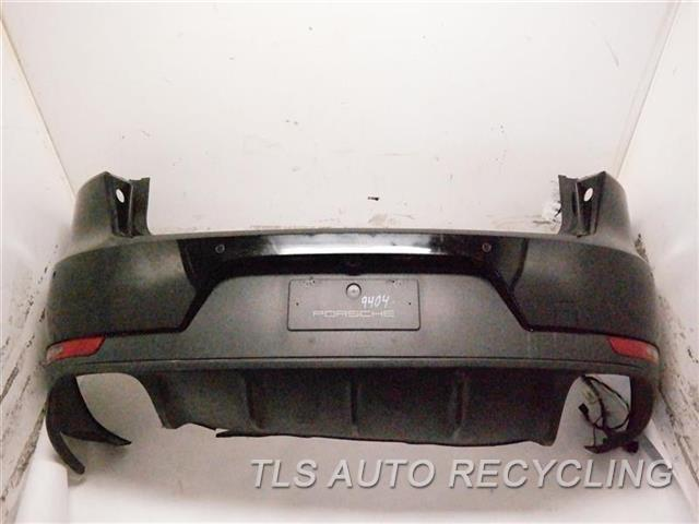 2016 Porsche Macan Bumper Cover Rear   W/ CAMERA, RIP ON UPPER AND LOWER SECTION, MINOR SCRATCHES, ONE DAMAGE TAB ON THE DRIVER SIDE 1J2,BLK,SPORT DESIGN, PARK ASSIST