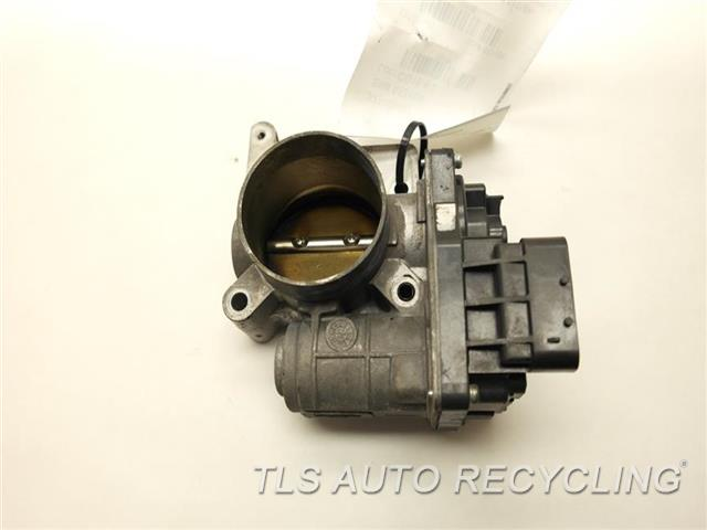 2005 saturn relay throttle body assy 12589308 used a. Black Bedroom Furniture Sets. Home Design Ideas