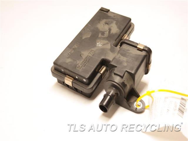 2010 Subaru Impreza Fuel Vapor Canister 42084FG060 VALVE FUEL VAPOR CANISTER