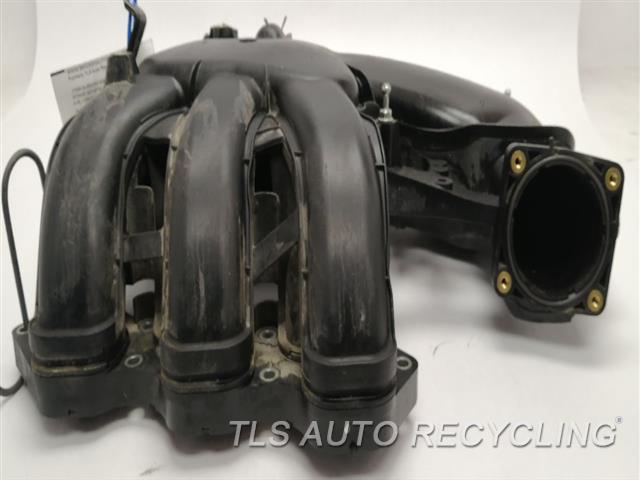 2010 Toyota 4 Runner Intake Manifold  4.0L 1GRFE ENGINE, 6 CYLINDER UPEER