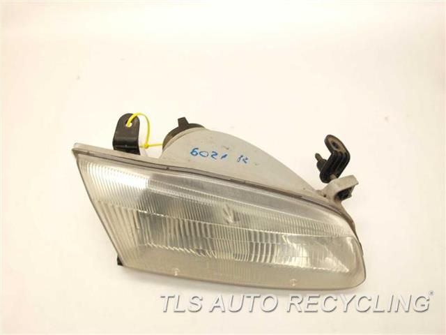 1999 Toyota Camry Headlamp Assembly  PASSENGER HEADLAMP 81110-AA010