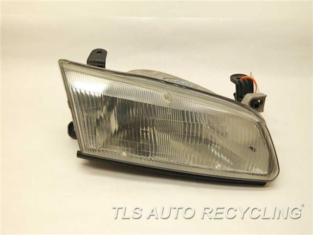 1999 Toyota Camry Headlamp Assembly 81110-AA010 PASSENGER HALOGEN HEADLAMP