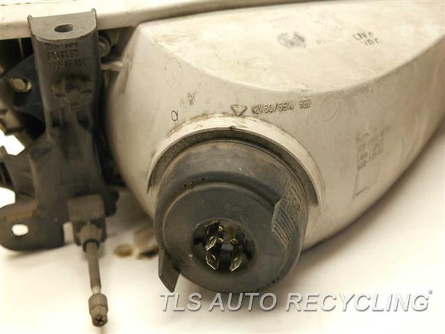 1999 Toyota Camry Headlamp Assembly  DRIVER HALOGEN HEADLAMP 81150-AA010