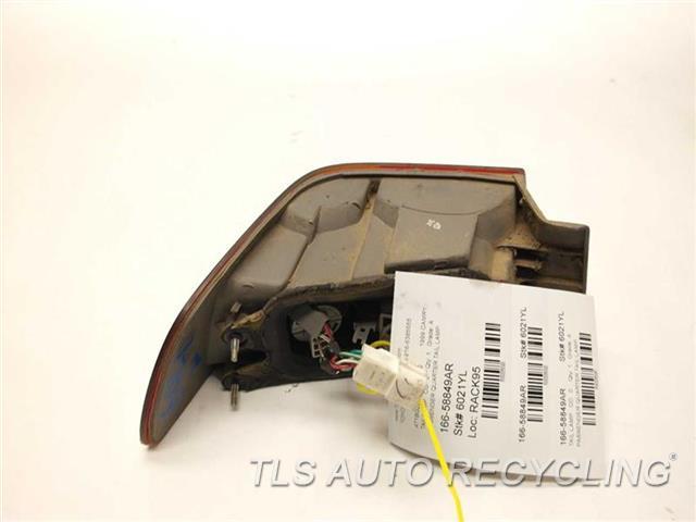 1999 Toyota Camry Tail Lamp 81550-AA011 PASSENGER QUARTER TAIL LAMP