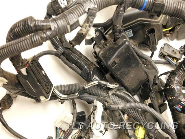 2007 toyota camry engine wire harness - 82111-33e90 - used - a grade.  tls auto recycling