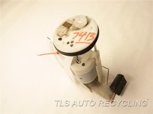 2009 toyota camry fuel pump 77020 06131 used a grade. Black Bedroom Furniture Sets. Home Design Ideas