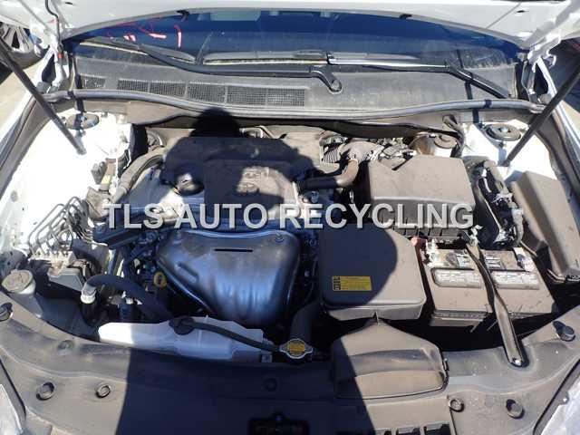 2015 Toyota Camry - WHITE/BLACK--- DRIVER REAR DAMAGE - Used - A Grade.