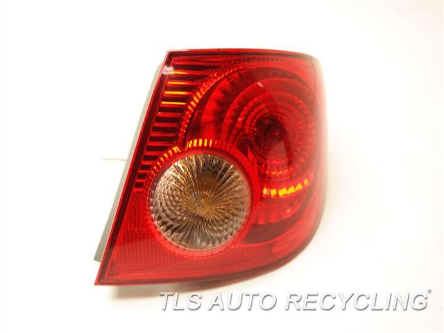 2005 Toyota Corolla Tail Lamp 81550-02290 PASSENGER QUARTER TAIL LAMP