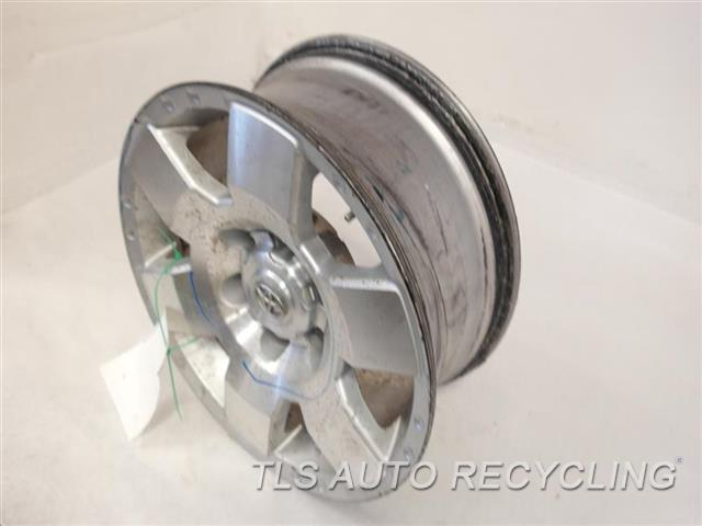 2007 toyota fj cruiser wheel has curb rash scratches on the face cover minor paint problem. Black Bedroom Furniture Sets. Home Design Ideas