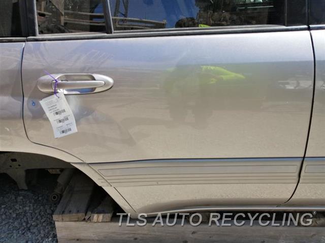2006 Toyota Land Cruiser Door Assembly, Rear Side DING UNDER DOOR HANDLE 4P1,RH,GRAY,PW,PL,MOULDING, R.